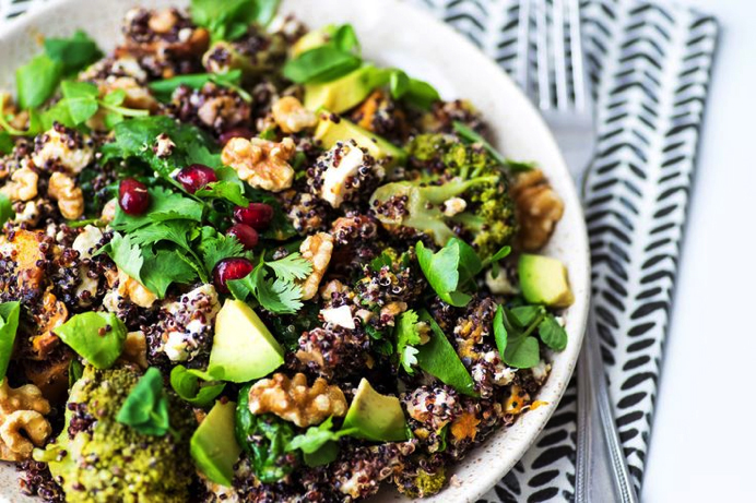 superfood salad with quinoa